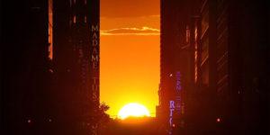 Sun Ligns for 'Manhattanhenge' in New York