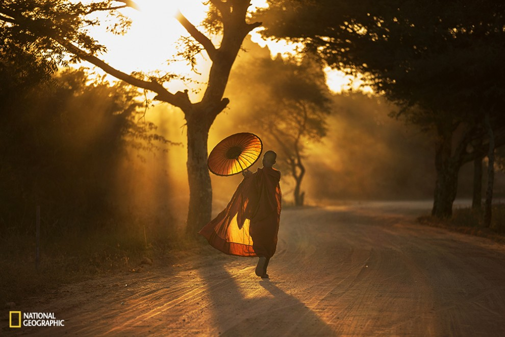 A monk on his way home~