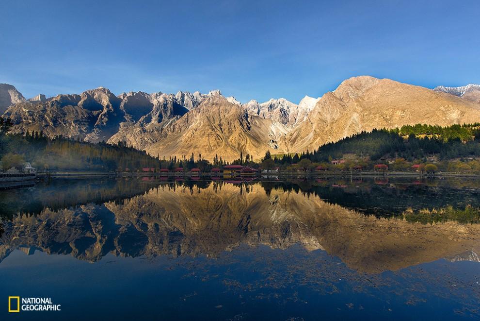 Shangrila Lake or Lower Kachura Lake in Skardu, Baltistan.