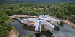 Star Wars Millennium Falcon-Style Home In Australia