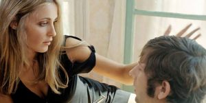 Intimate Photos Of Sharon Tate Gives Her Husband Roman Polanski A Haircut In 1968
