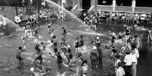 Stunning Vintage Photos Of Swimming In New York's Open Air Pools In 1930s