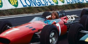 Amazing Vintage Photos of Françoise Hardy on the Set of 'Grand Prix' in1966