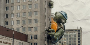 Giant Ninja Turtle Takes Over Minsk: Huge Leonardo Is Exploring the World of Soviet Architecture