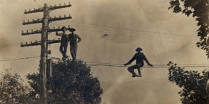 Amazing Vintage Photographs of Linemen on Utility Poles at the Turn of 20th Century