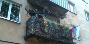 30 Times People Came Across The Most Ridiculous Balconies