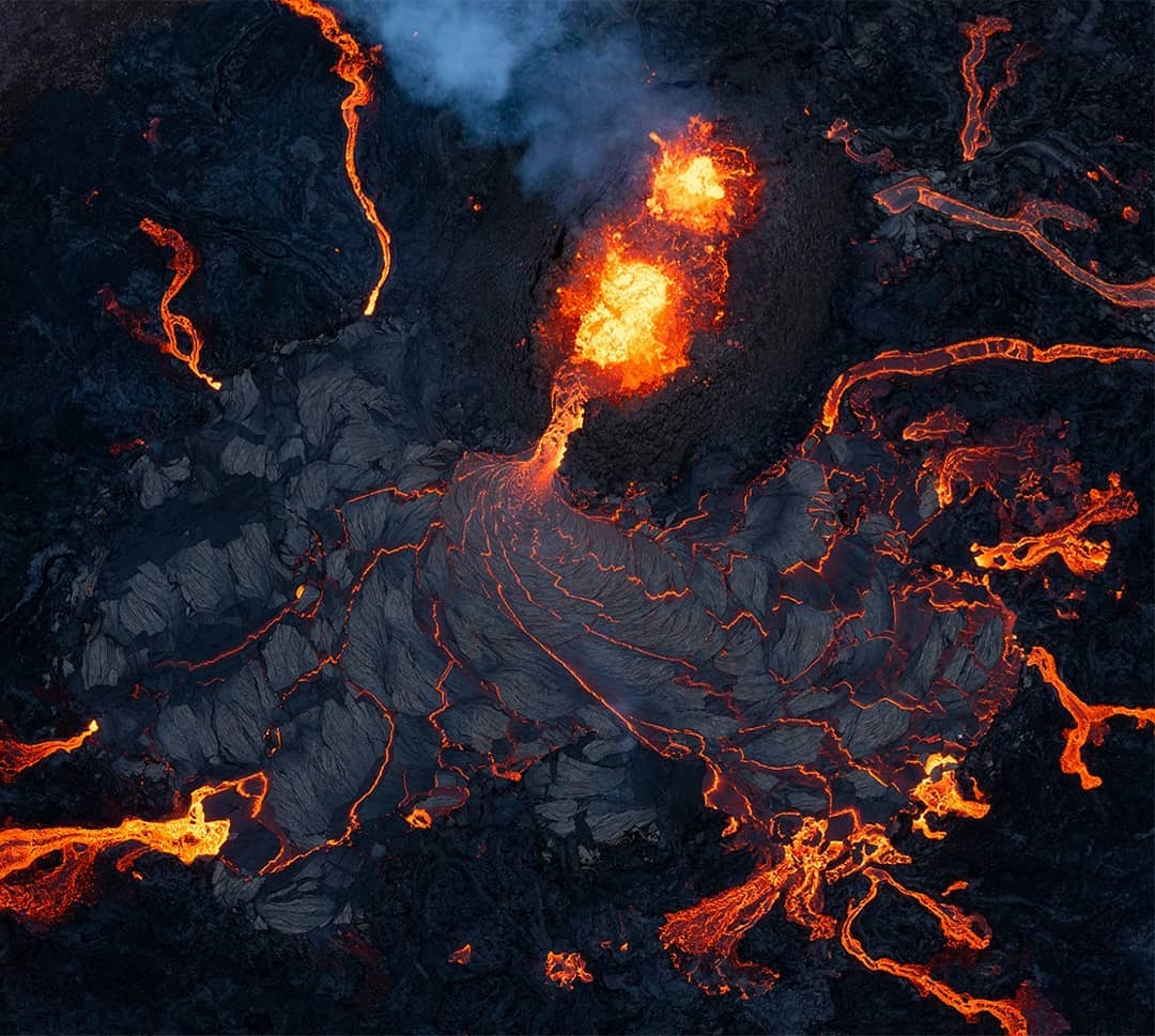 Photographer Spent Two Weeks In Iceland To Shoot The Recent Fagradalsfjall Eruption