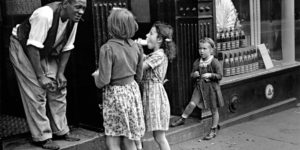 Amazing Snapshots Capture Street Life in New York City From the Mid-1930s to the End of the 1940s