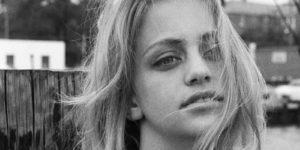 Sensual Black and White Portrait Photos of Goldie Hawn Taken by Joseph Klipple in 1964