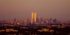 Amazing Photos Capture Street Scenes of New York City in the 1990s